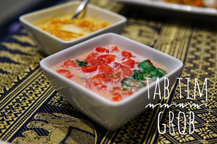 Tab Tim Grob – Water Chestnuts in syrup and coconut milk